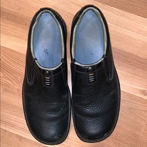 Merrell slip-on shoes black leather size 11.5